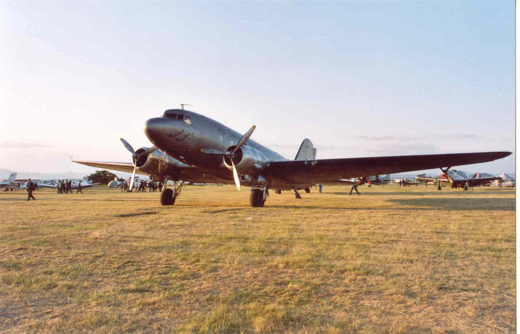 DC-3,DAKOTA.jpg